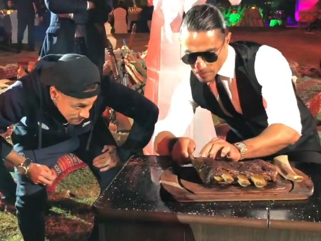 Pesta Daging! Neymar hingga Mbappe Mampir ke Restoran Salt Bae