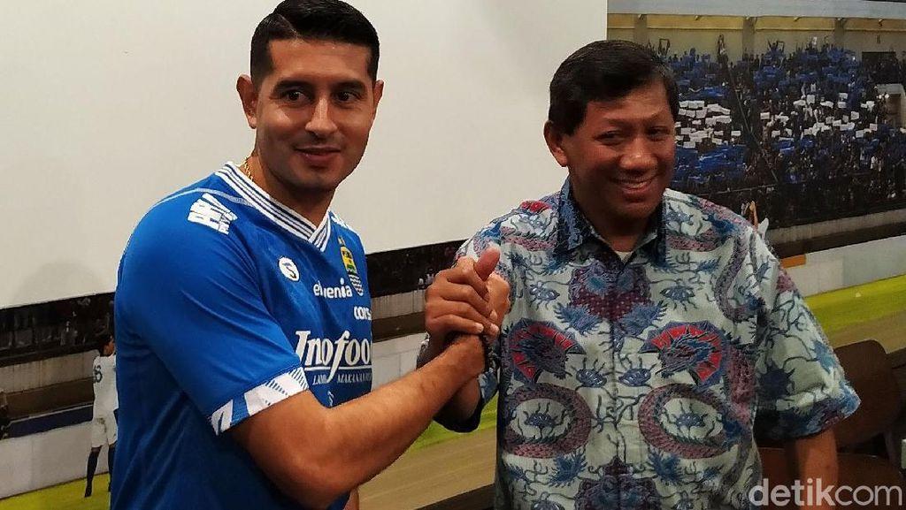 Persib Bandung Ikat Esteban Vizcarra 1 Tahun