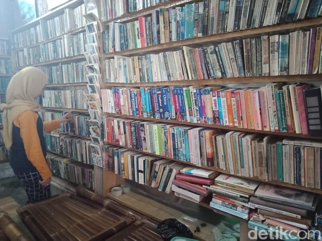 Foto: Toko Buku Unik yang Punya Sistem Barter
