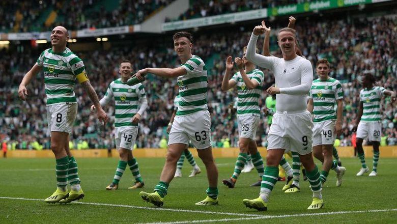 Di posisi ke-10, ada klub Skotlandia, Celtic. Celtic Park punya rata-rata penonton 57.523 orang. Foto: Ian MacNicol/Getty Images