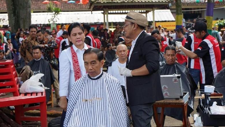 Dinilai Pencitraan Saat Cukur Rambut, TKN Jokowi: Blusukan Gaya Seperti Itu Bukan Sandiwara