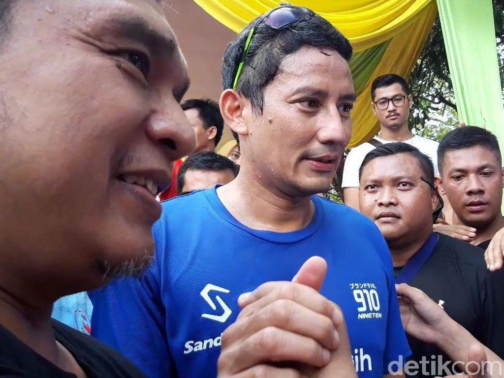 Lari Pagi di Kawasan Masjid Al-Akbar Surabaya, Sandiaga Dibuat Takjub