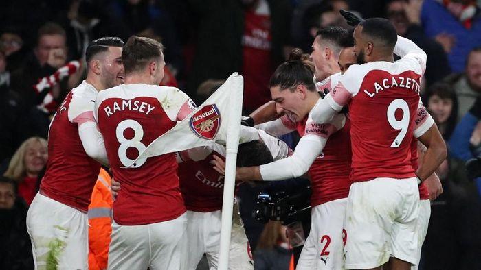 Arsenal jadi salah satu dari lima tim Premier League yang ada di 10 besar daftar klub terbesar menurut France Football. The Gunners menempati posisi ke-10 dengan total 88 poin. Foto: Reuters