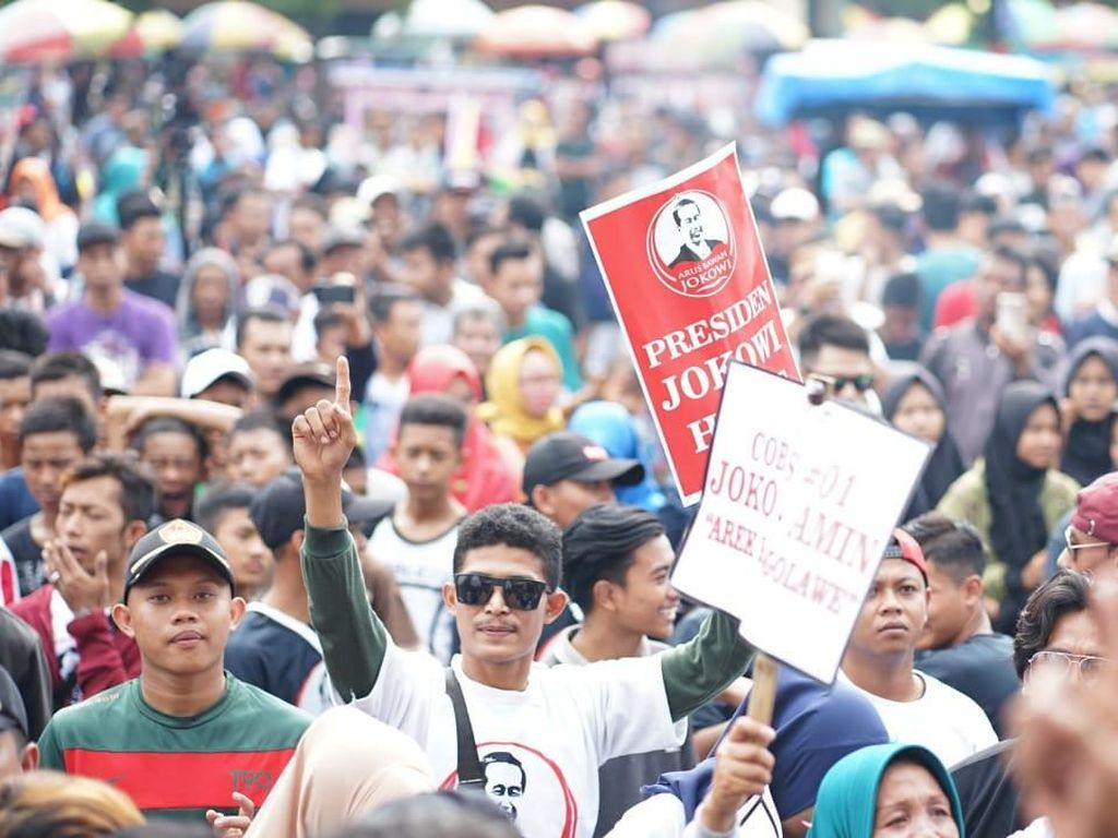 Massa Arus Bawah Jokowi Gelar Deklarasi di Tuban