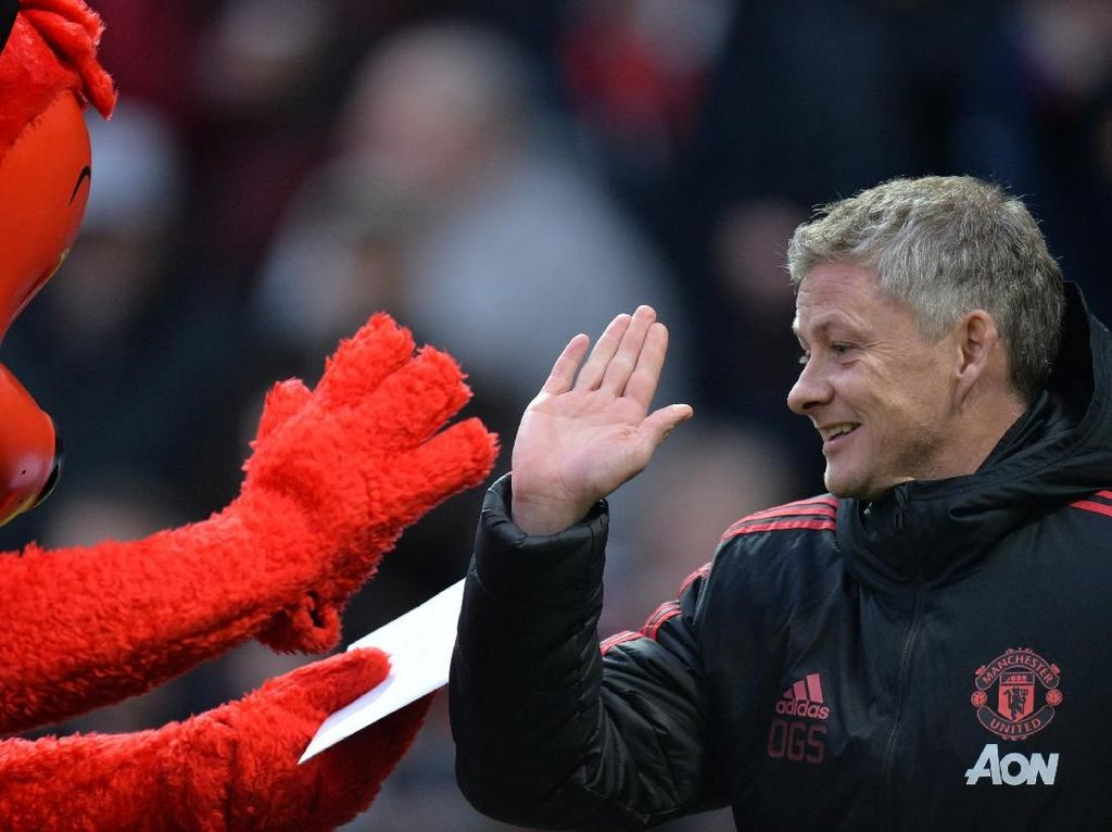 Man United, Jangan Buru-buru Permanenkan Solskjaer