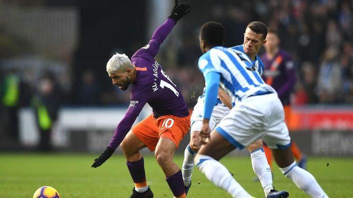 Manchester City unggul 1-0 atas Huddersfield Town di babak pertama. (Foto: Gareth Copley/Getty Images)