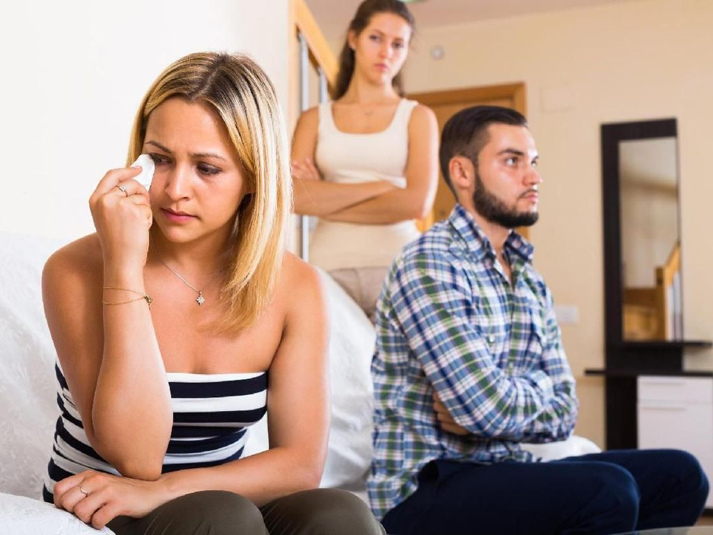 Diminta Jadi Istri Kedua, Haruskah Hubungan Cinta Diteruskan?