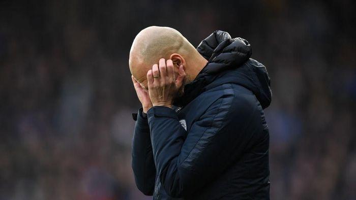 Guardiola kurang puas dengan penampilan City saat menang 3-0 atas Huddersfield. (Foto: Gareth Copley/Getty Images)