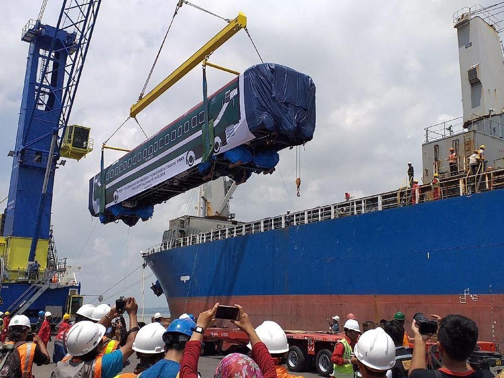 Ekspor Kereta ke Bangladesh, INKA Dapat Suntikan Rp 775 M