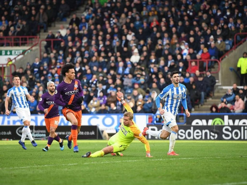 Hasil Liga Inggris: Manchester City Libas Huddersfield 3-0