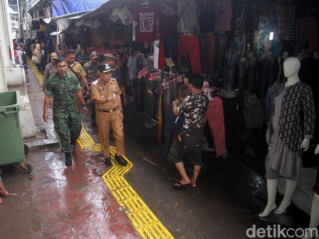 Pemkot Jakpus Tinjau Tanah Abang Pasca Ricuh PKL vs Satpol PP