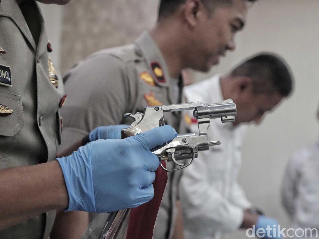 Drama Kejar-kejaran Mahasiswa Penembak Mantan Pacar dengan Anggota TNI