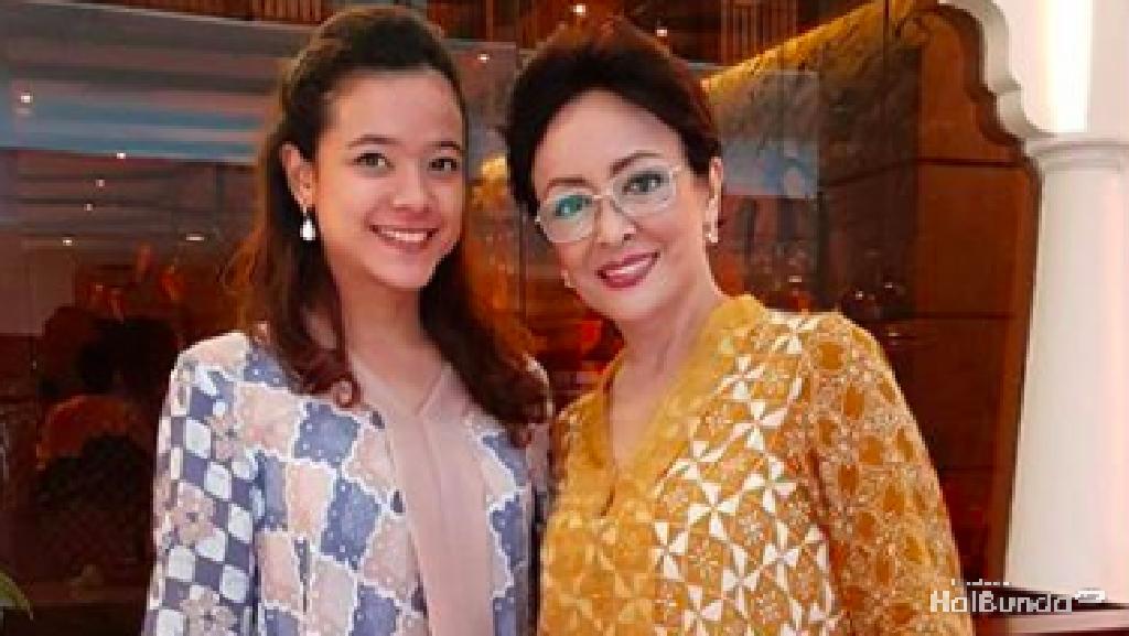 Intip Gaya Kompak Ibu-Anak, Minati Atmanagara dan Cantika