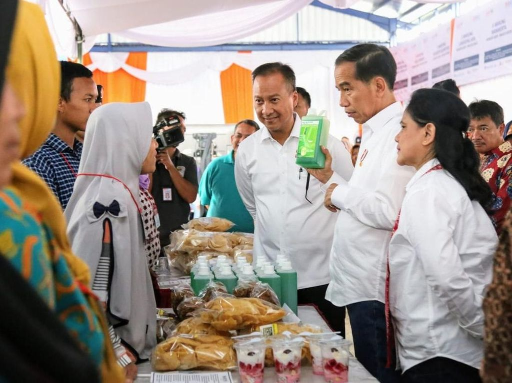 Kontroversi Jokowi Beli 100 Ribu Sabun Cuci