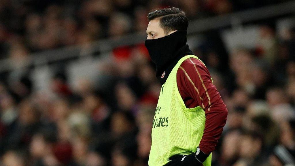 Saran Mourinho untuk Emery: Jangan Galak-Galak ke Oezil