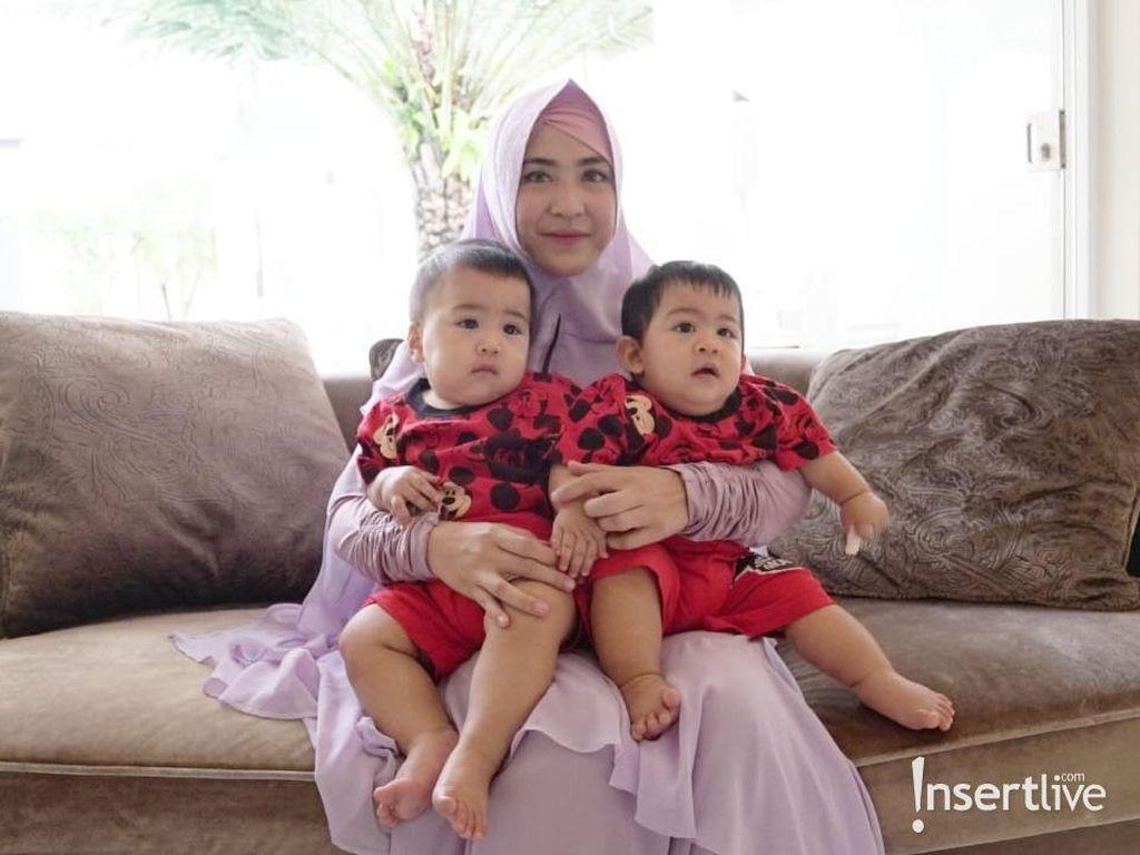Dilema April Jasmine Mencari Solusi MPASI Si Kembar