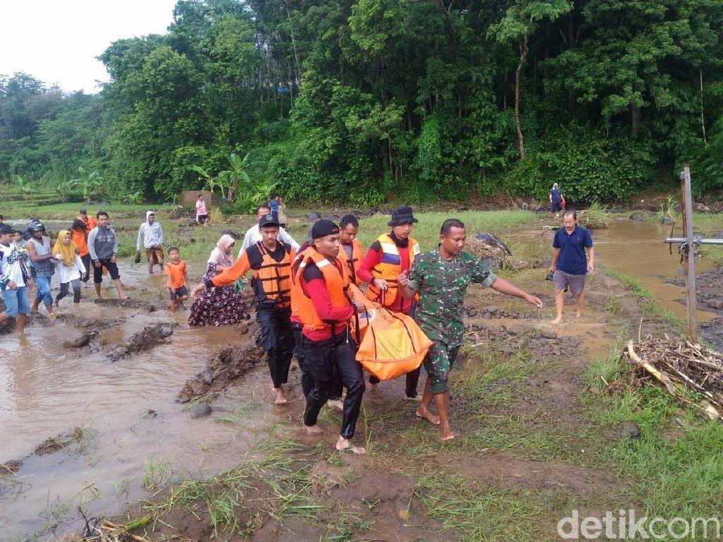 Tim Penyelam Diterjunkan, Remaja yang Hanyut di Jepara Ditemukan Tewas