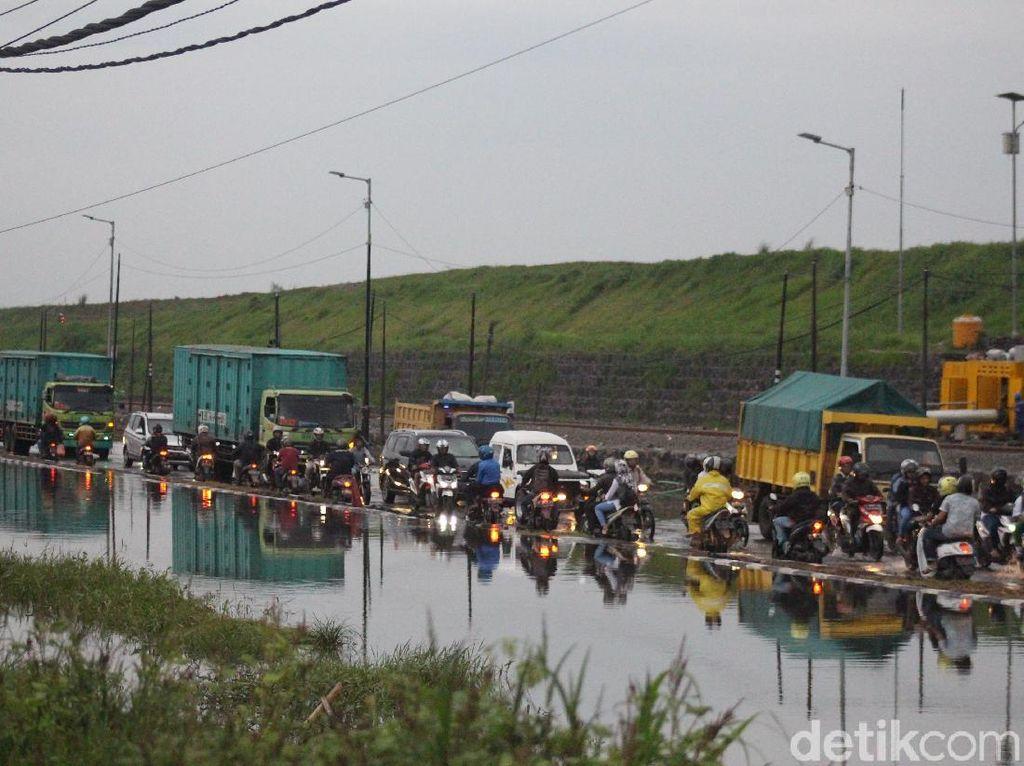 Genangan Meninggi, Porong Lama Arah Malang-Surabaya Ditutup