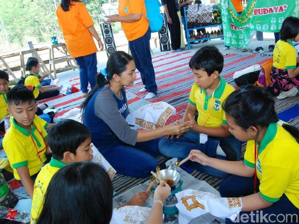 Foto: Belajar Membatik di Desa Wisata Blitar