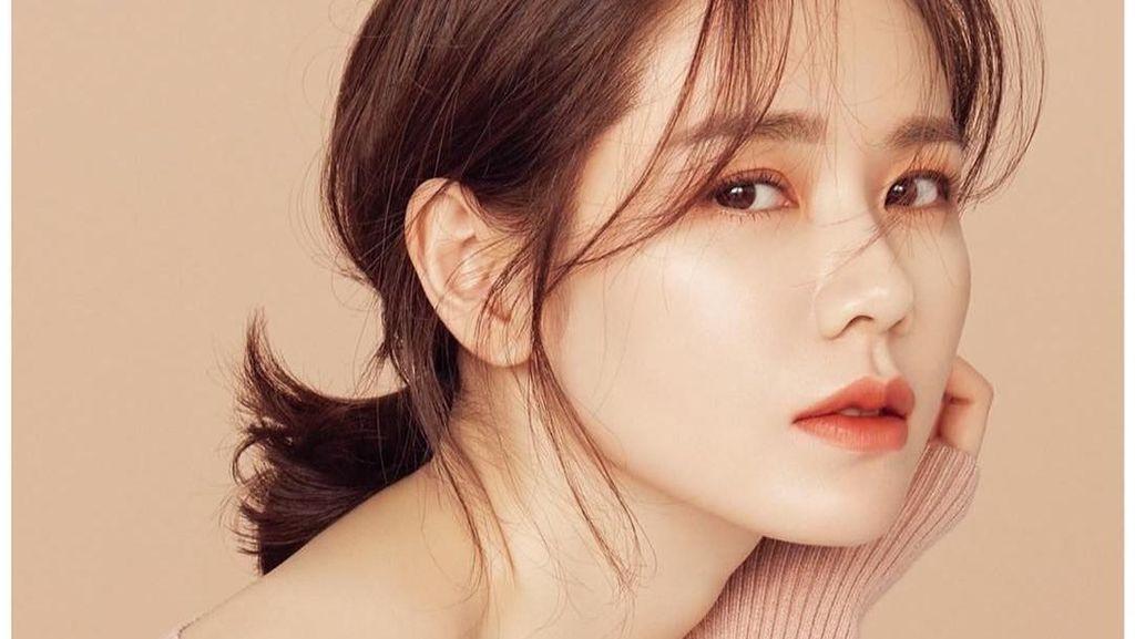 Gaya Memesona Son Ye Jin, Aktris Korea yang Awet Ayu di Usia 37 Tahun