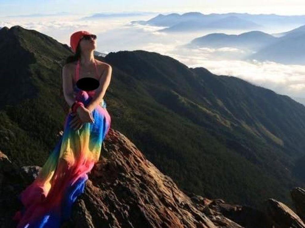 Pendaki Wanita Bikini Climber Meninggal Diduga Karena Hipotermia