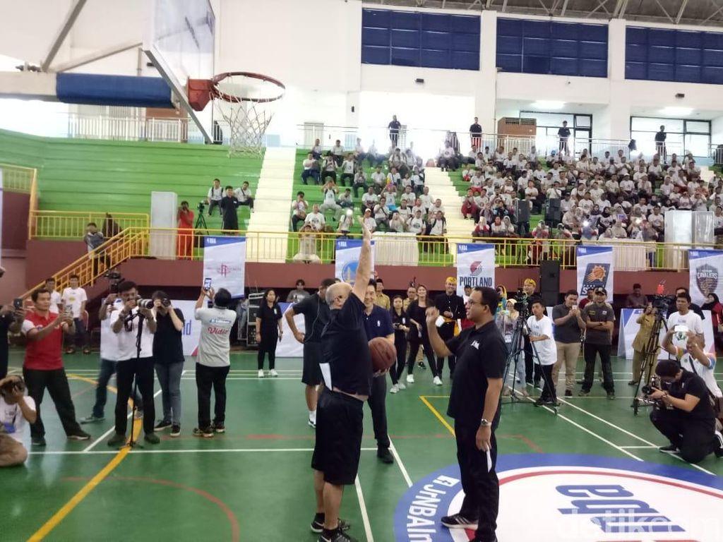 Gandeng Jr NBA, Anies Buka Pelatihan Guru Basket di Ciracas