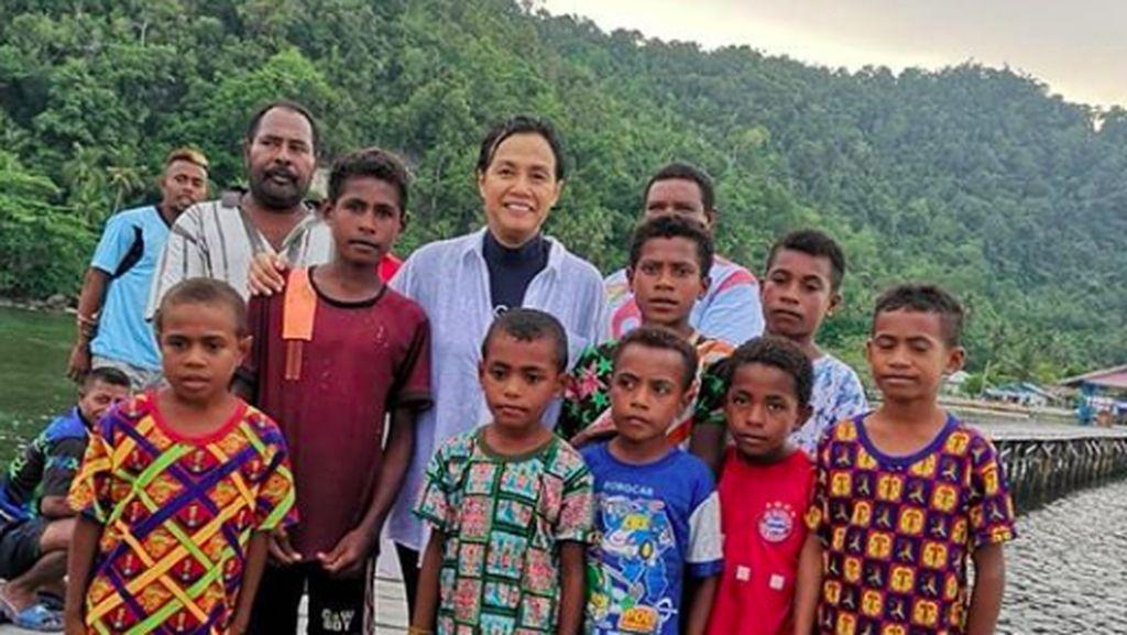 Hati Adem Melihat Sri Mulyani Bercengkerama dengan Anak-anak