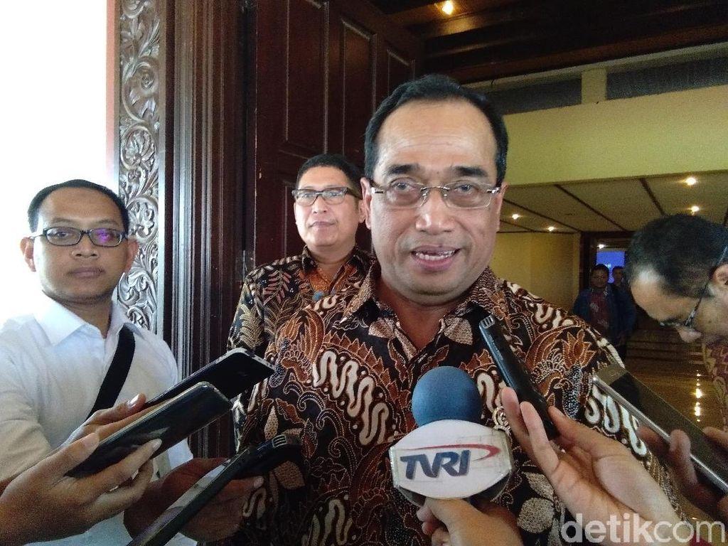 Menhub Sebut Jokowi Rapat soal Avtur Besok
