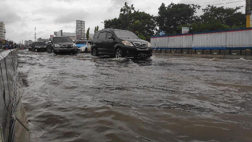 Penampakan Titik Banjir yang Kepung Makassar