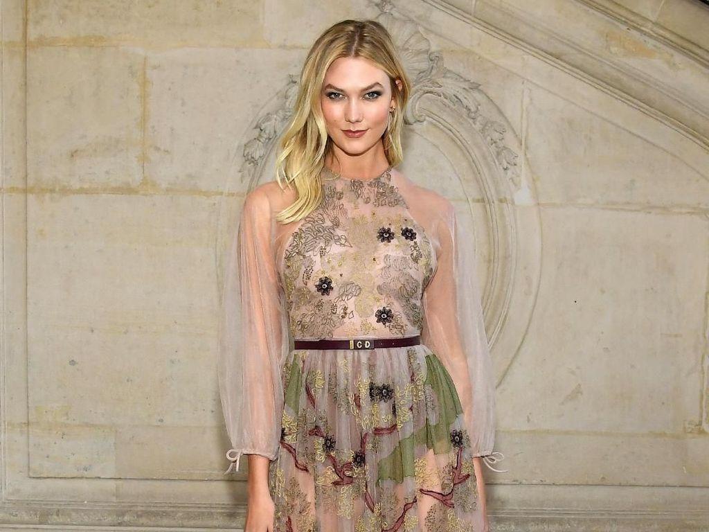 Berhenti dari Victorias Secret karena alasan Feminis, Karlie Kloss Dikritik