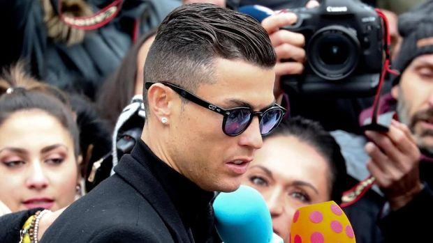 Selamat Ulang Tahun ke-25, Cristiano Ronaldo!
