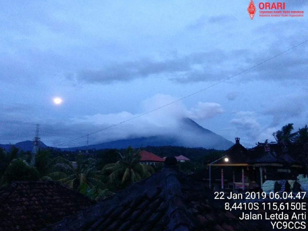 Gunung Agung Erupsi, 2 Desa di Bali Hujan Pasir