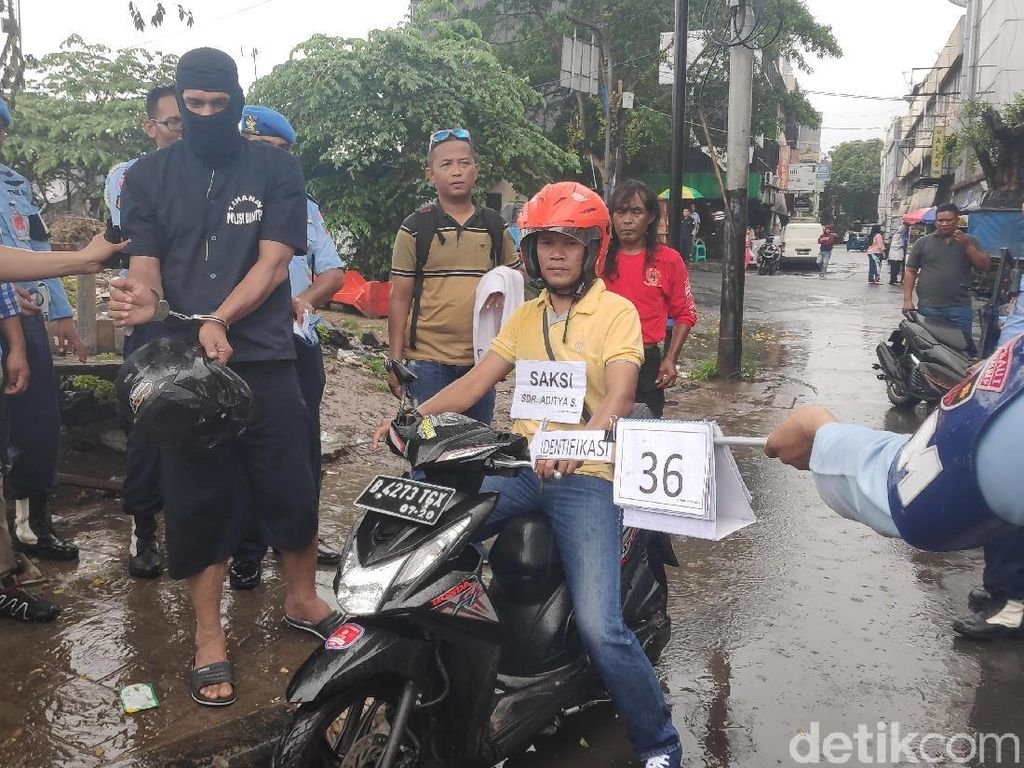 Serda Jhoni Jalani Rekontsruksi Penembakan Letkol Dono di Jatinegara
