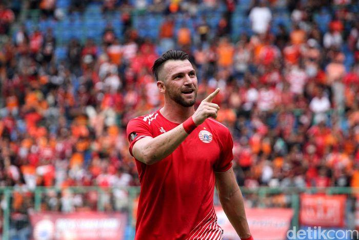 Marco Simic saat melakukan selebrasi usai mencetak 5 gol ke gawang 757 Kepri Jaya.