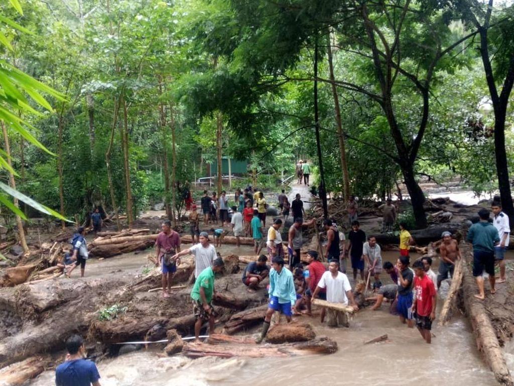Puluhan Rumah Pengungsi Gempa Lombok Terendam Banjir