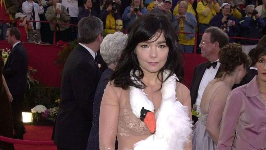 Gaun-gaun Terburuk di Karpet Merah Oscars Sepanjang Masa