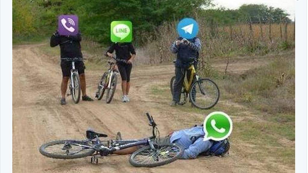 Banjir Meme akibat WhatsApp Down