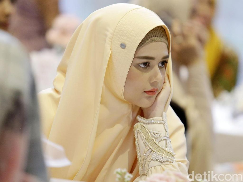 Sudah Tutup Aurat, Cut Meyriska Tolak Peran Lepas Hijab di Sinetron