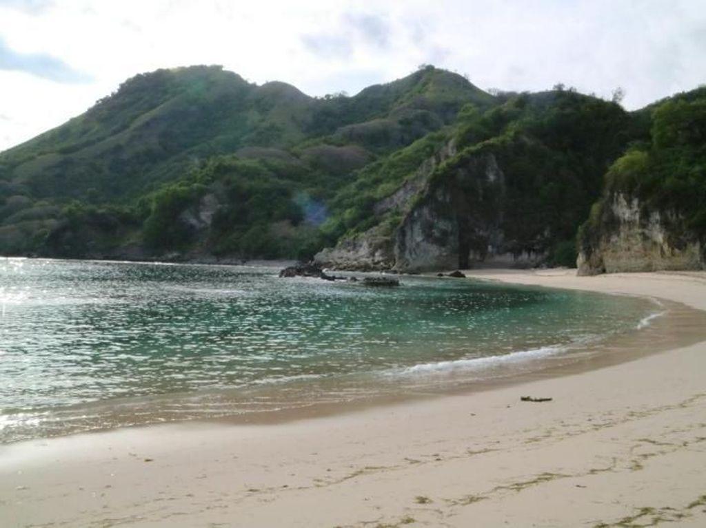 Maumere Punya Pantai Secantik Ini