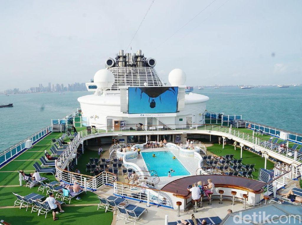 Ini Rasanya Liburan Naik Cruise