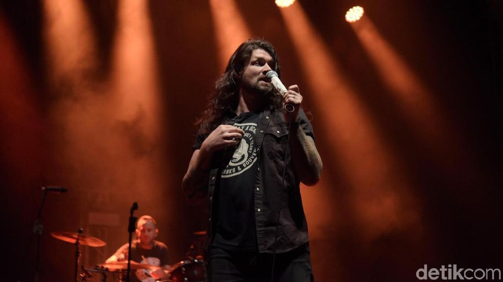 Konser 20 Tahun Taking Back Sunday