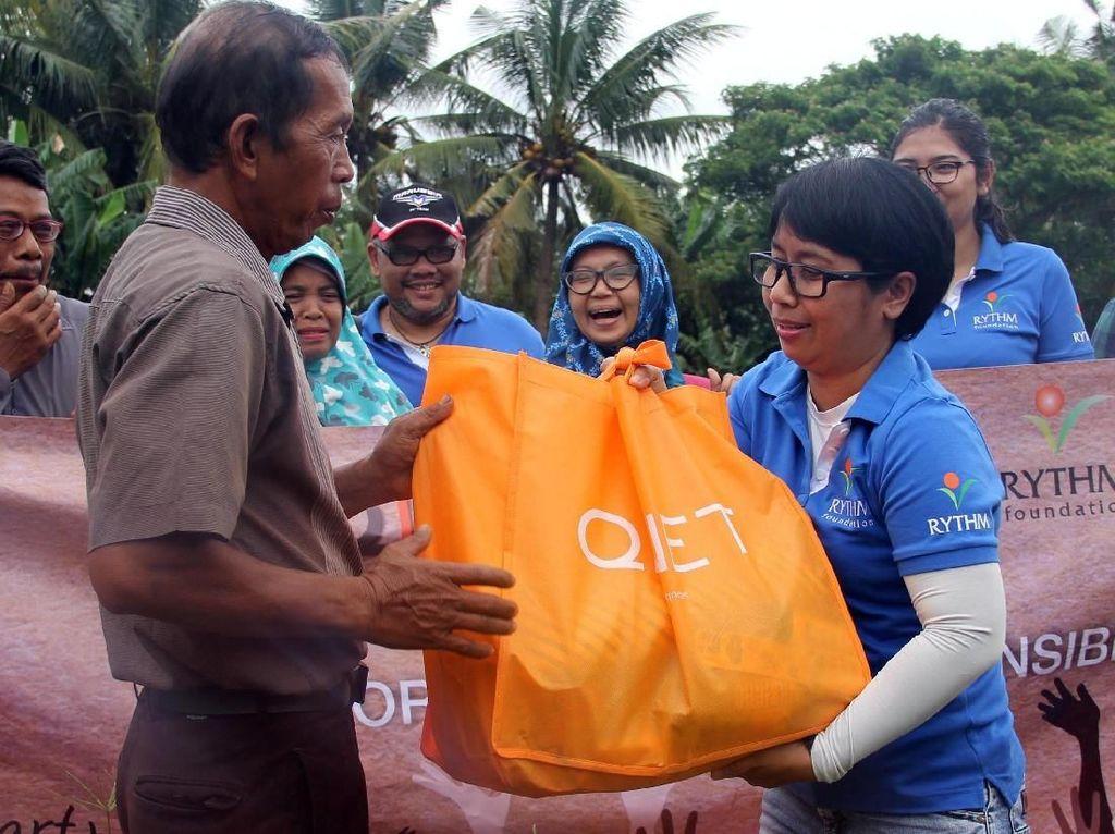 Distribusi Bantuan untuk Korban Tsunami Lampung dan Banten
