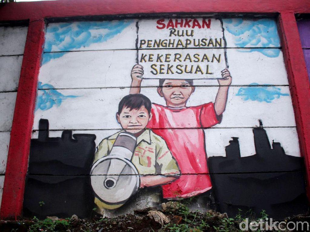 Keren! Mural Stop Kekerasan Anak Mejeng di Jalan Jatinegara