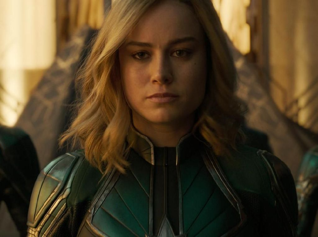 Captain Marvel Kalahkan Wonder Woman