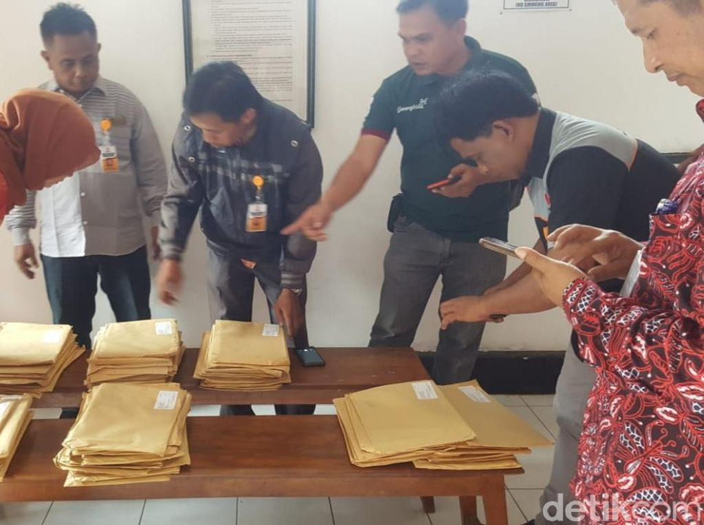 1771 Amplop Indonesia Barokah di Kantor Pos Gunungkidul