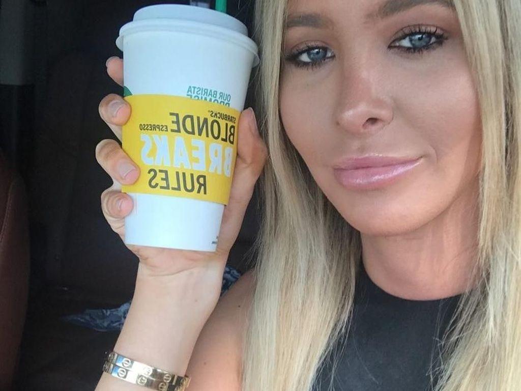 Ini Sophia Hutchins, Tunangan Caitlyn Jenner yang Hobi Minum Kopi