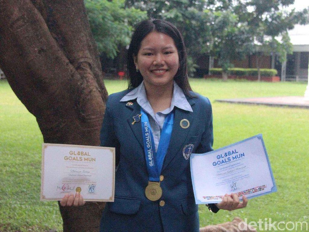 Bicara Sanitasi, Mahasiswi UK Petra Ukir Prestasi di Malaysia
