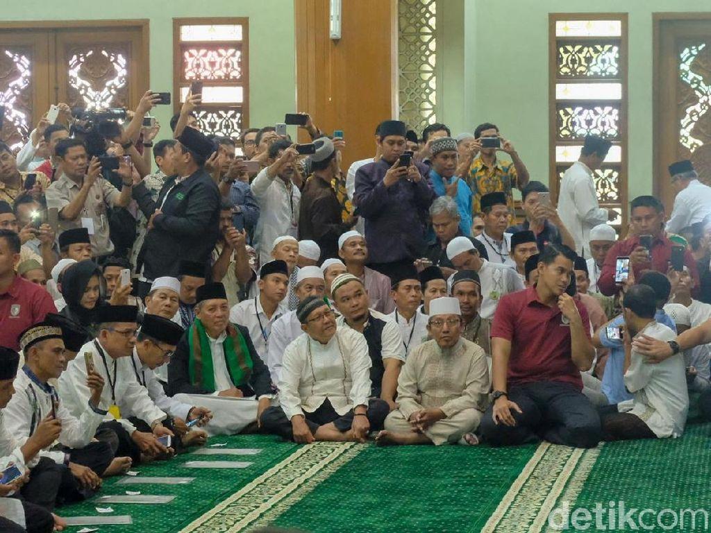 Sapa Jemaah Masjid di Bekasi, Jokowi Luruskan Isu Anti-ulama
