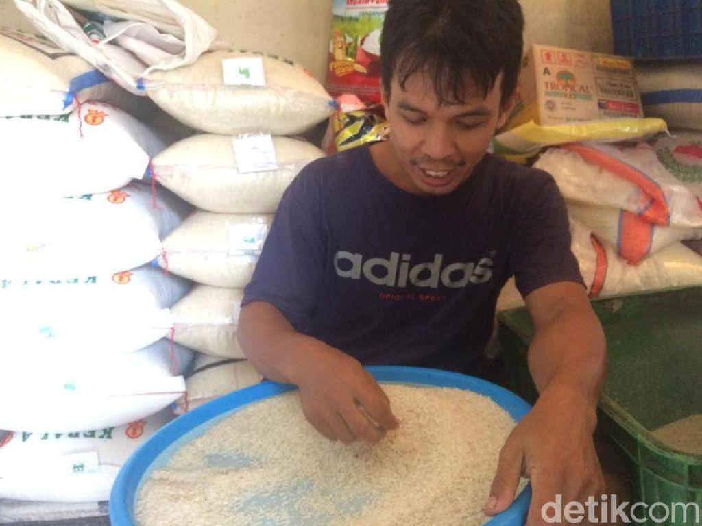 Ketemu Jokowi Pedagang Sebut Harga Beras Turun, Ini Faktanya