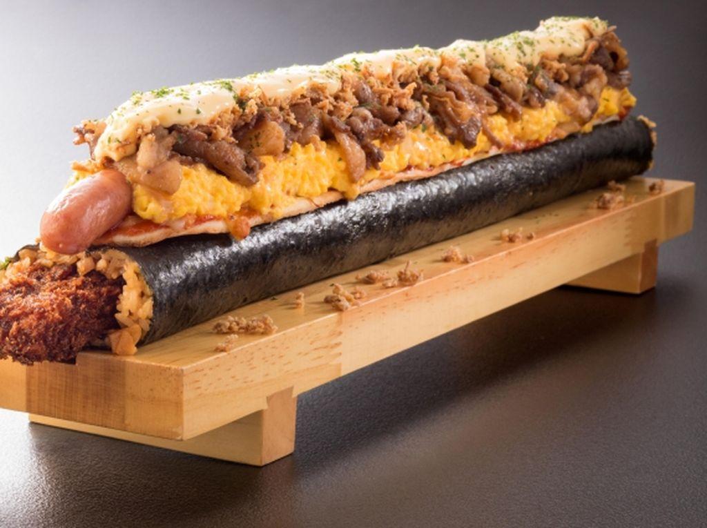 Mengandung 6.000 Kalori! Ini Sushi dengan Topping Pizza Fenomenal